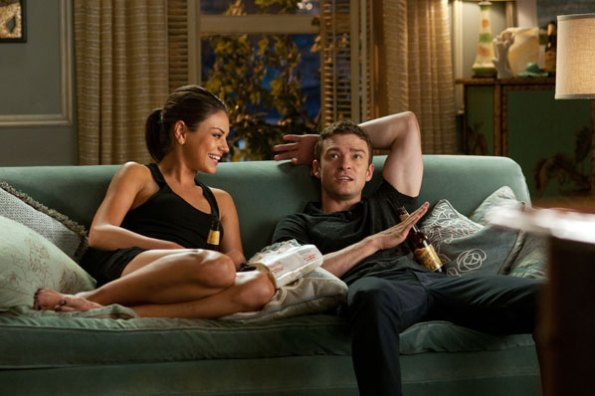 Jamie e Dylan conversando na casa de Jamie