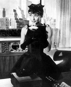 Audrey vestindo Givenchy