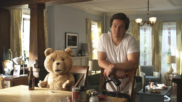 Urso TED e Mark Wahlberg