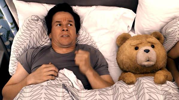 Mark Wahlberg e Urso TED